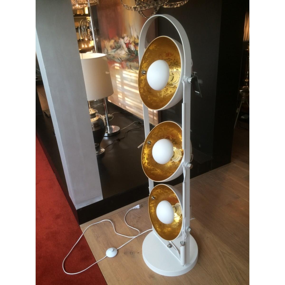 stehleuchte wei gold moderne stehlampe in zwei farben. Black Bedroom Furniture Sets. Home Design Ideas