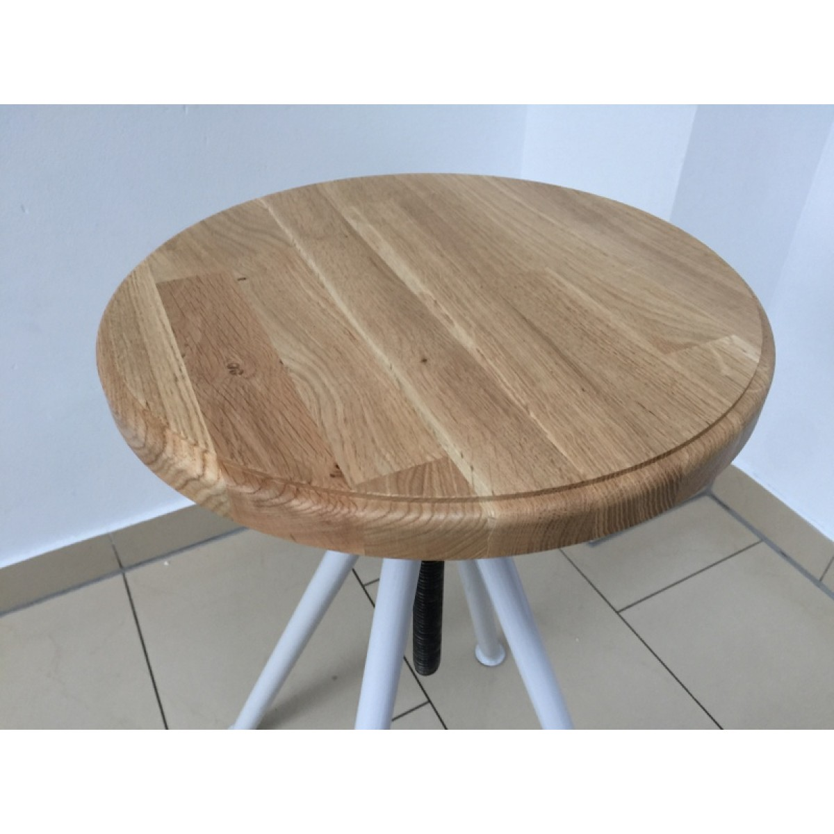 Hocker verstellbar im industriedesign barhocker sitzh he for Barhocker 66 cm