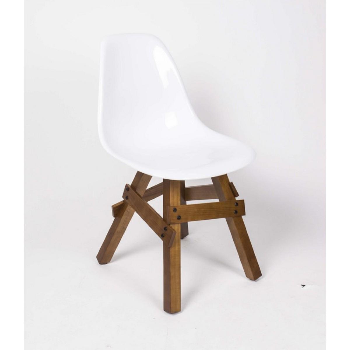 design stuhl wei e sitzschale gestell aus massivholz. Black Bedroom Furniture Sets. Home Design Ideas