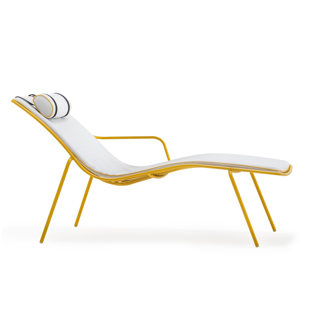 gartenliege gelb metall lounge liege gelb sonnenliege gelb metall liege gelb liegen. Black Bedroom Furniture Sets. Home Design Ideas