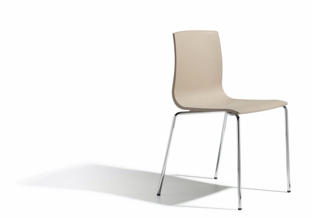 Design Stuhl, Farbe taubengrau, stapelbar
