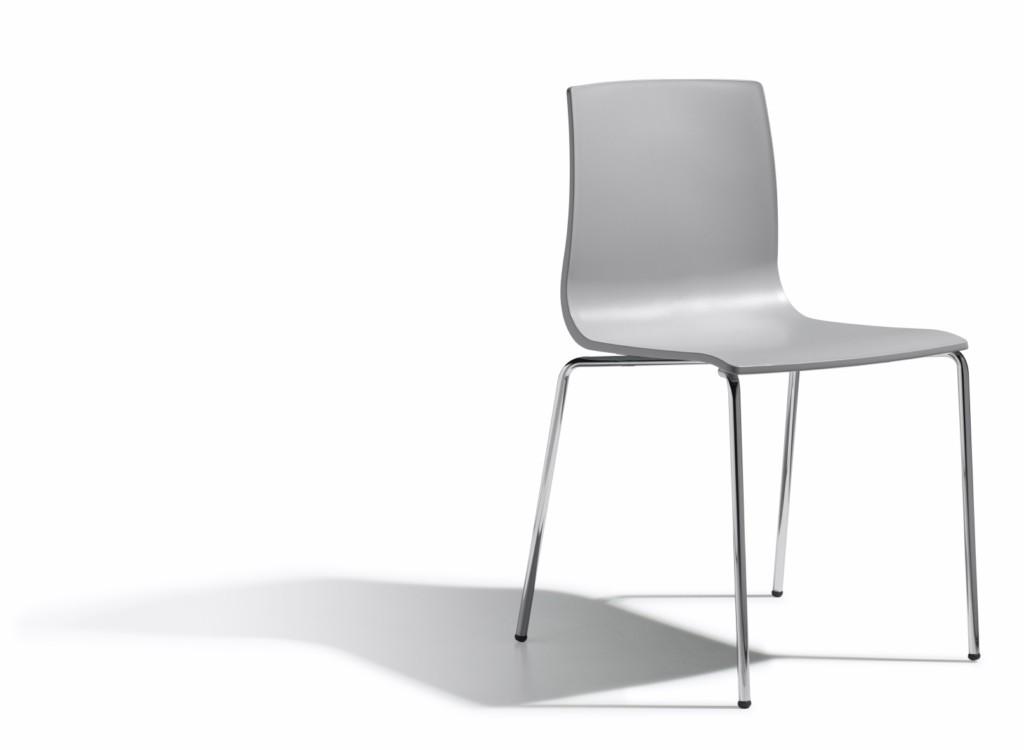 Design Stuhl, Farbe hellgrau, stapelbar