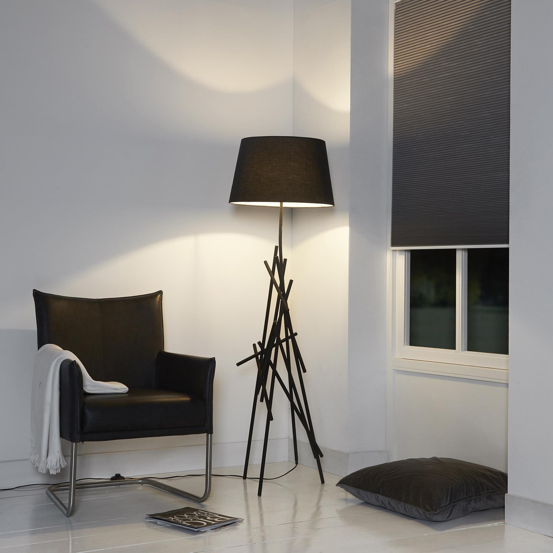 stehlampe schwarz mit lampenschirm stehleuchte lampenschirm schwarz h he 158 cm. Black Bedroom Furniture Sets. Home Design Ideas