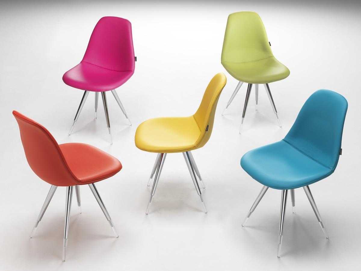 Designstuhl gepolstert in verschiedenen Farben