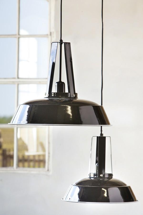 Hängeleuchte schwarz im Industriedesign, Pendelleuchte schwarz, Durchmesser 42 cm