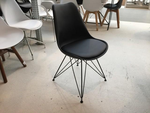 Design Stuhl schwarz, Stuhl gepolstert mit Metallgestell schwarz