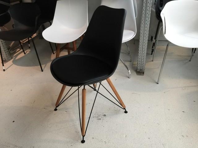 Design Stuhl, Stuhl gepolstert mit Metallgestell schwarz