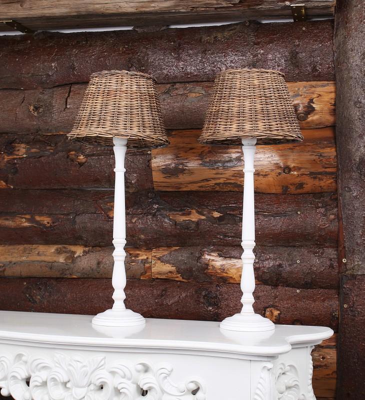 Tischleuchte mit Lampenschirm Rattan, Farbe Weiß-Braun