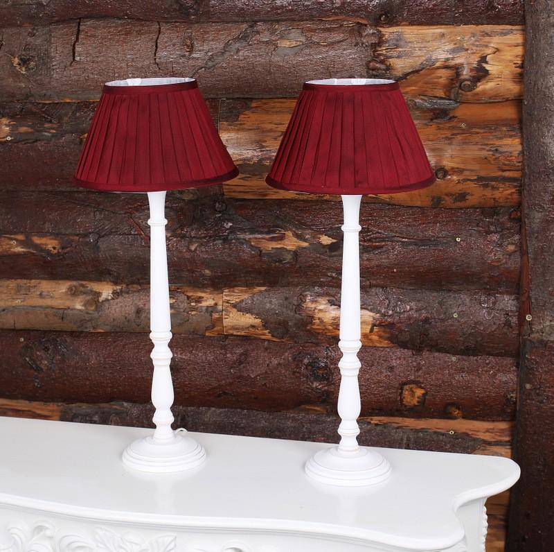 Tischleuchte mit Lampenschirm, Farbe Weiß-Rot