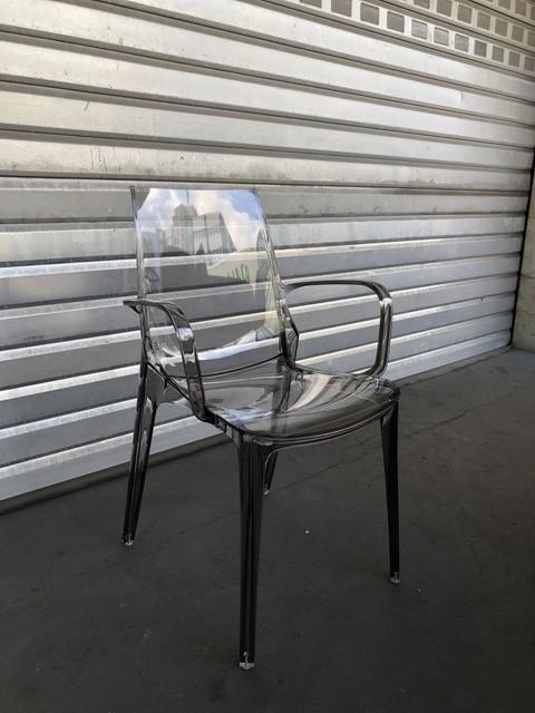 Design Stuhl, transparent, stapelbar, recycelbarer Kunststoff