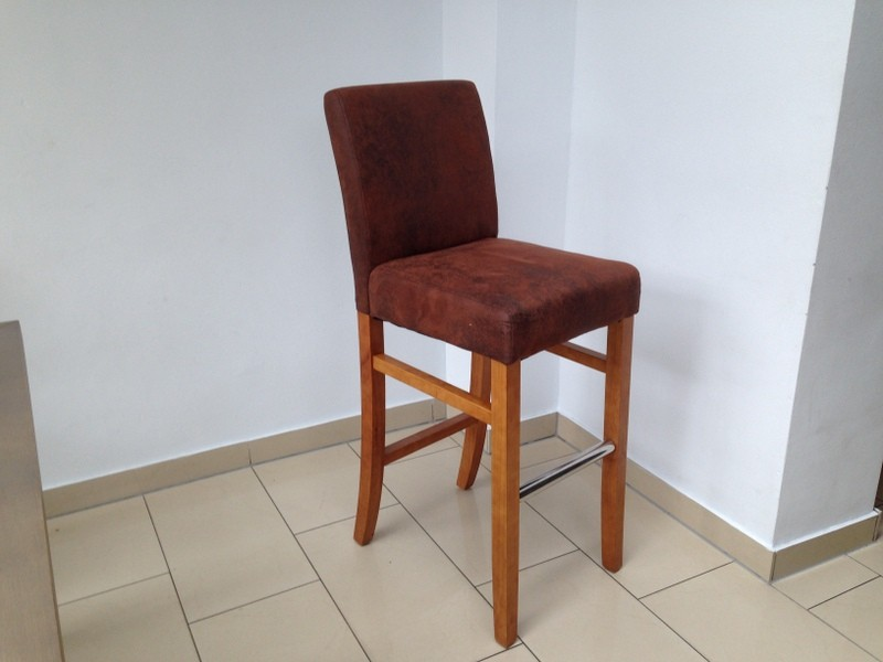 Barstuhl braun vintage aus Massivholz, Sitzhöhe 75 cm