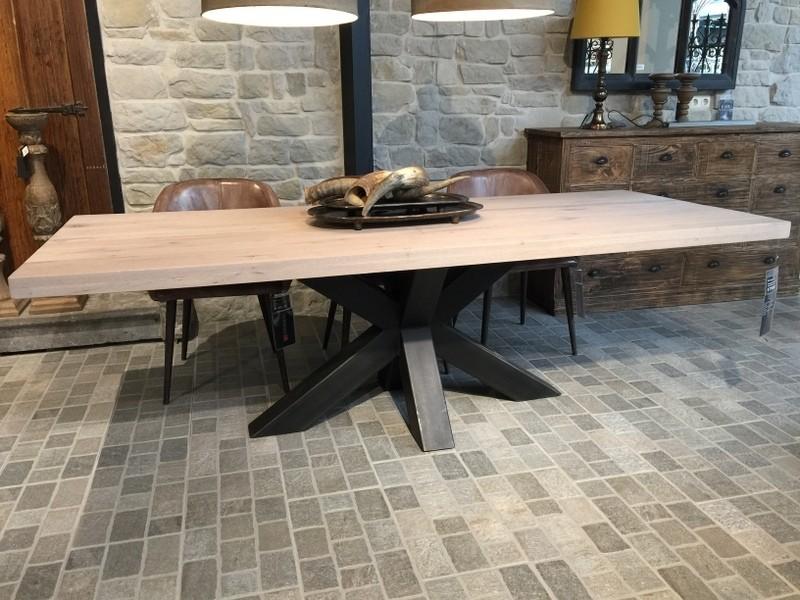 Esstisch Eiche Tischplatte, Tisch Eiche-Tischplatte Industriedesign,  Tischgestell aus Metall, Maße 260 x 100 cm