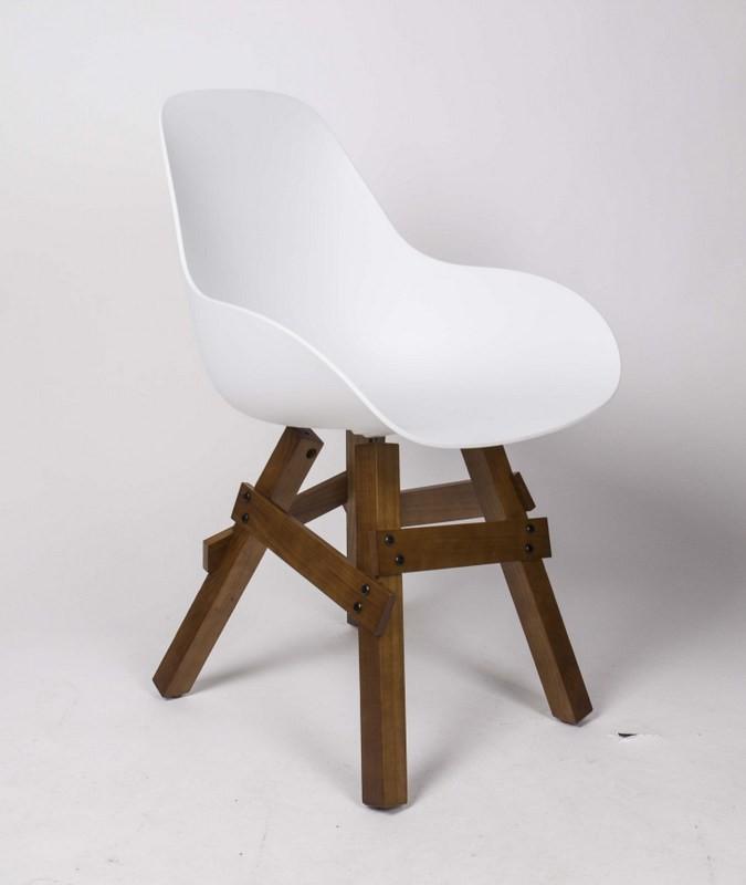 Design Stuhl mit Armlehne weiß, Gestell aus Massivholz, Sitzhöhe 46 cm