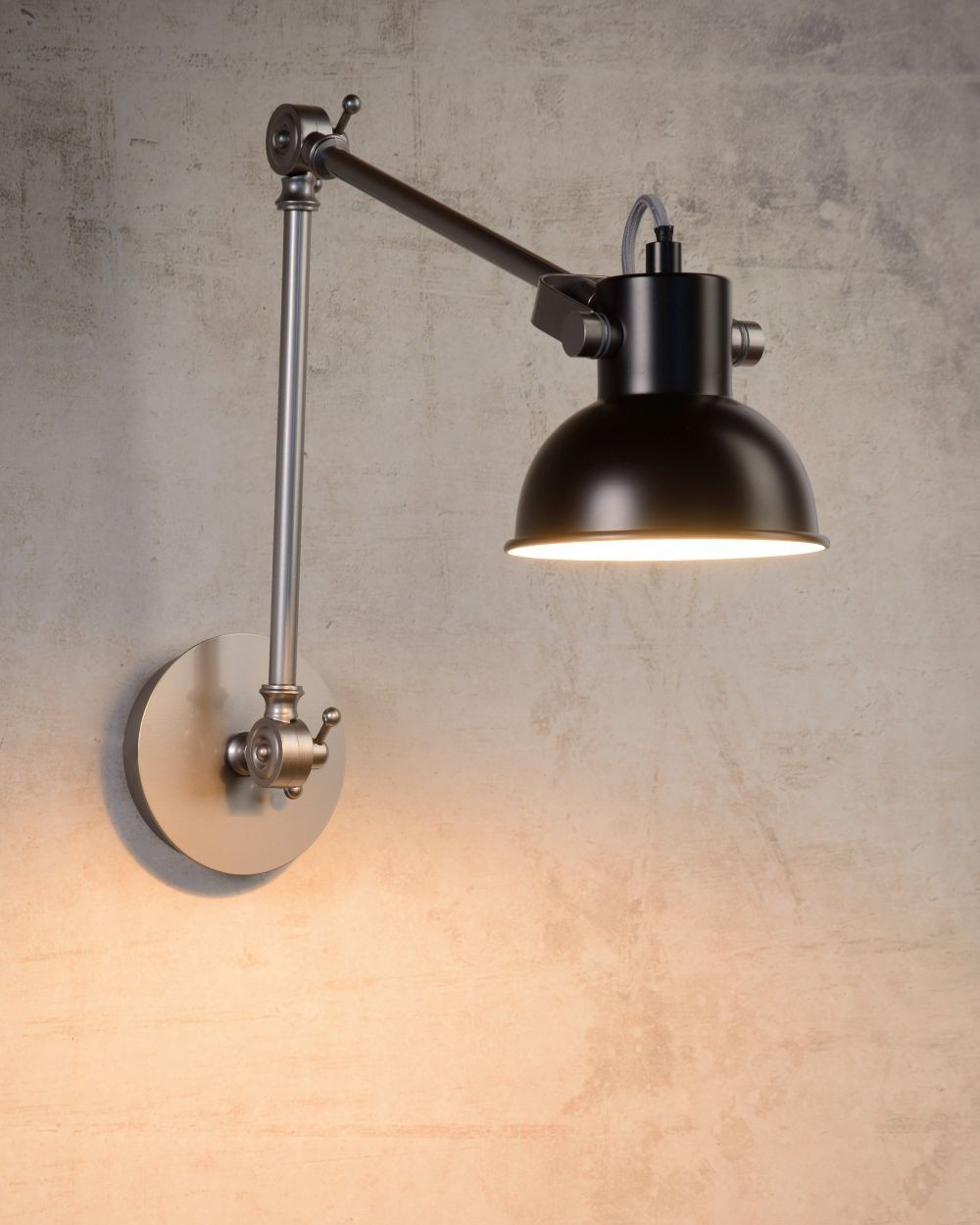 Wandlampe schwarz Industrie, Wandleuchte schwarz Industriedesign, Arm-Wandlampe