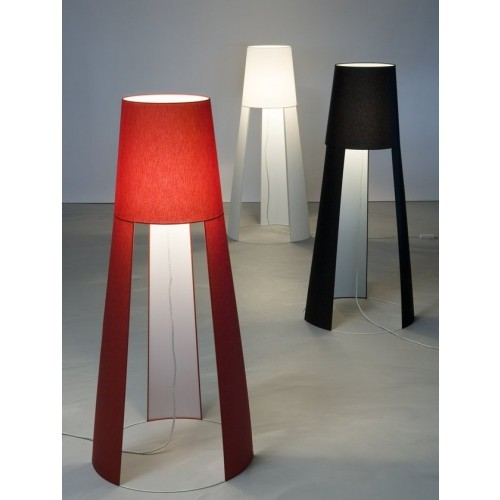 Design Stehleuchte aus Polycarbonat in drei Farben