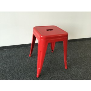 Hocker Metall rot im Industriedesign, Metall Hocker rot
